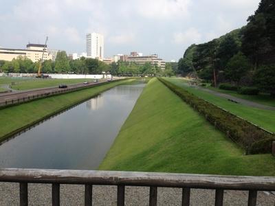 金沢城_お堀.jpg